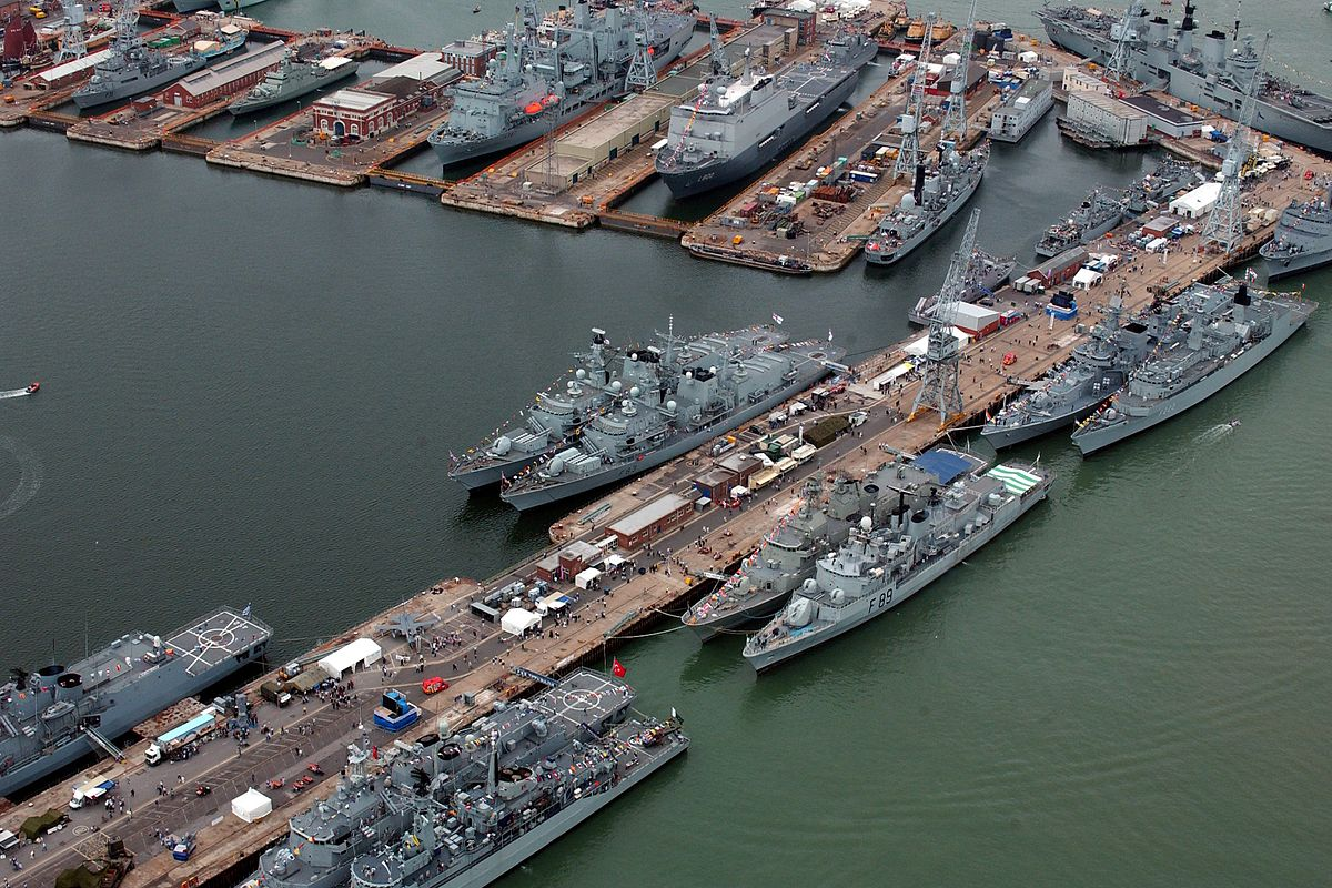 UK_Defence_Imagery_Naval_Bases_image_04